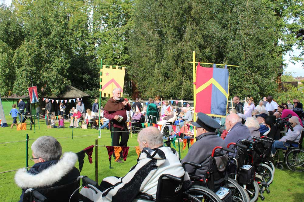 enjoying-the-medieval-day-in-braintree-essex