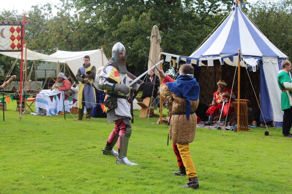 medieval-combat-action-at-the-new-deanery