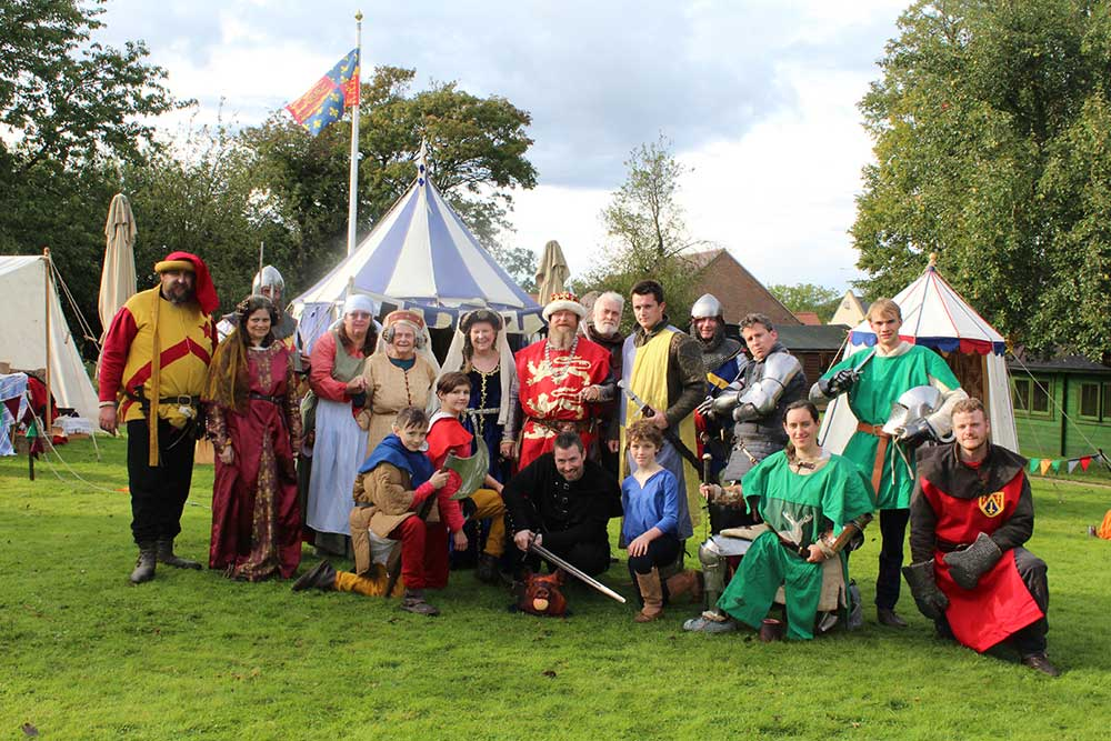 medieval-knights-re-enactors-at-the-new-deanery-2